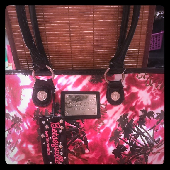 Betsey Johnson Handbags - Betsey Johnson pink palm 🌴tree tote